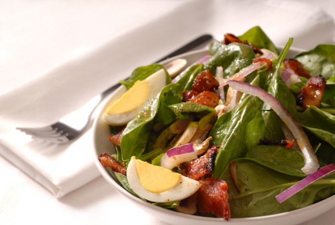 bermuda-spinach-salad